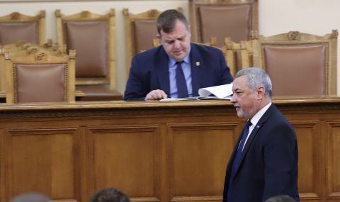 Симеонов: Каракачанов ме убеждаваше да се явим заедно