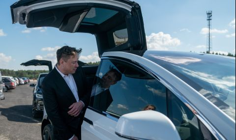 Илон Мъск преговарял за продажбата на Tesla - 1