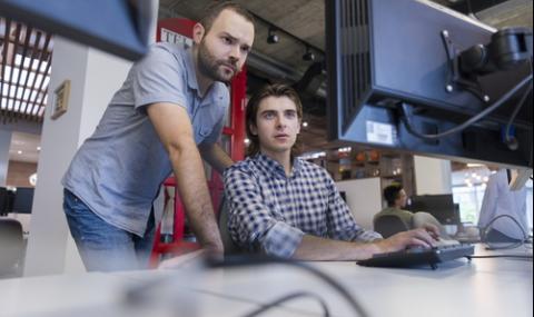 Само 10% от българските IT специалисти искат да работят в чужбина