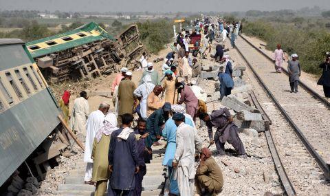 Десетки жертви след сблъсък на два влака
