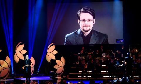 Сноудън удължава престоя си в Русия