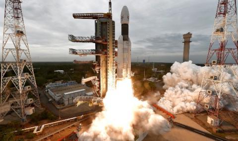 Индия изпрати станция към Луната