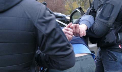 Арестуваха мъж за изнасилване на непълнолетна