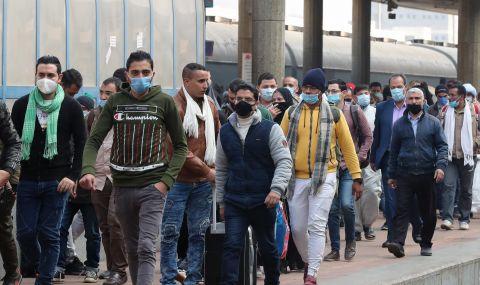 Десетки пострадали при сблъсък на два влака в Египет