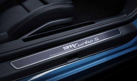Porsche отбелязва 20 години в Китай със специална версия на 911 - 6