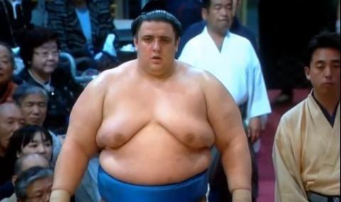 Аоияма с първа победа на големия Новогодишен турнир по сумо в Токио