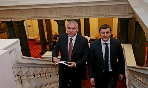Двама заместник - министри на отбраната се коалираха с Воля