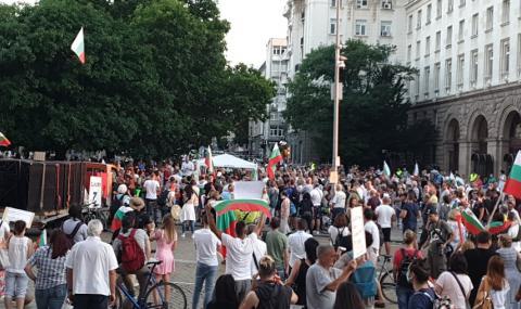 Германски медии: Борисов няма да си тръгне лесно