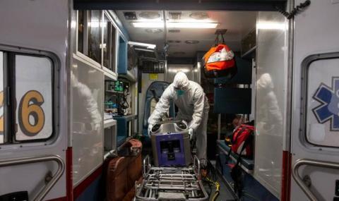 Близо 33 000 жертви на COVID-19 в САЩ
