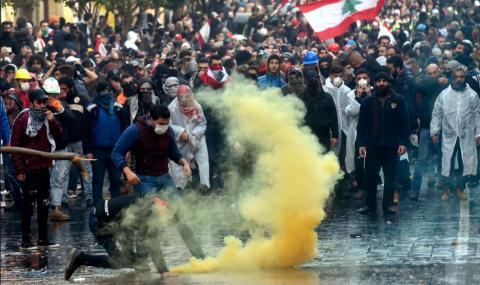 Ожесточени протести в Бейрут, най-малко 75 ранени