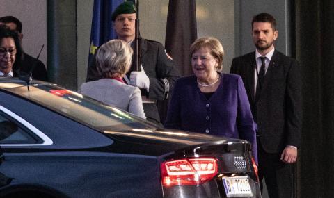 Световните лидери на конференция в Берлин заради Либия