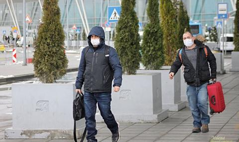 """Полетите на летище """"София"""" почти спряха"""