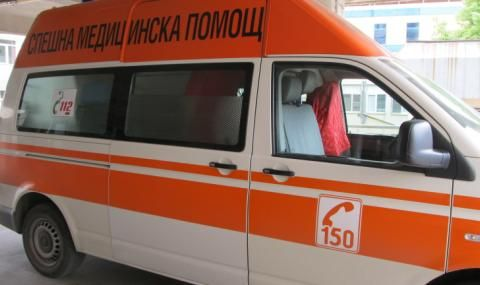"Жена помете шофьор на аварирал бус край ""Сарафово"" - 1"