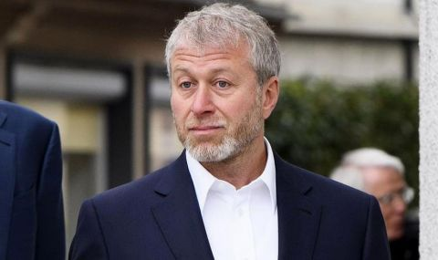 Роман Абрамович вади четвърт милиард за трансфери