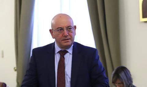 Емил Димитров: До изборите няма да допусна да бъда въвлечен в политически мероприятия