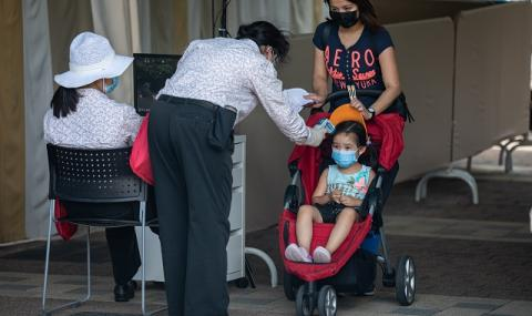 Задължителни маски на всички закрити обществени места в Хонконг