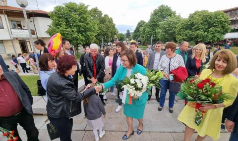 Нинова в Ковачевци: Ще преизчислим пенсиите - 2
