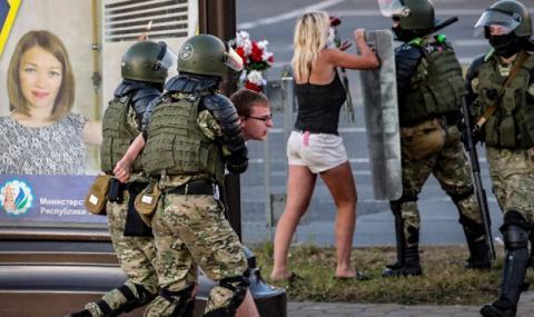 Трета поредна нощ на кървави протести в Беларус (ВИДЕО)