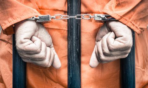 В Латвия осъдиха на 15 г. затвор служител, шпионирал за Русия