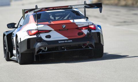 BMW показа състезателно M4 за над половин милион долара - 5