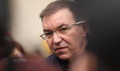 Костадин Ангелов: Радев лъже или го лъжат
