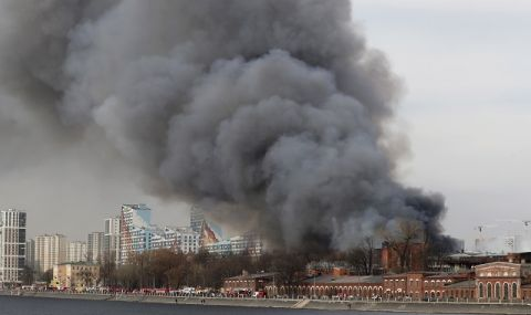 Разкритие! Пожарът в историческата сграда в Санкт Петербург може да е умишлен (ВИДЕО)