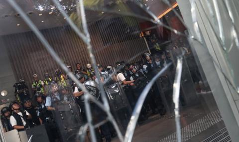 Протестите в Хонконг ескалираха