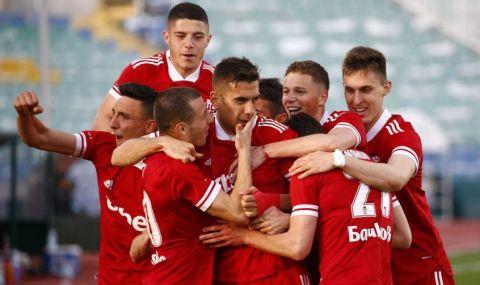 Официално: Отложиха мач от efbet Лига заради 11 футболисти с COVID-19