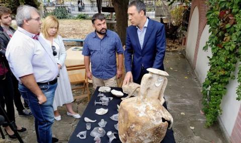 Откриха край Бургас част от най-голямото черноморско стъклено съкровище