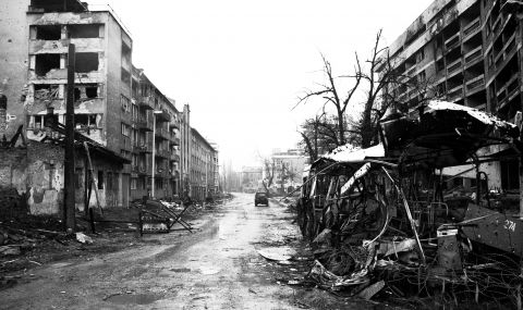Обсадата на Сараево - четири години терор, глад и убийства