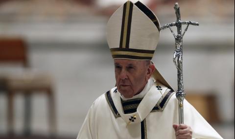 """Папа Франциск отслужи великденско богослужение при закрити врата в базилика """"Свети Петър"""""""