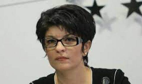 Десислава Атанасова: Деменция е обхванала БСП и лидерката й