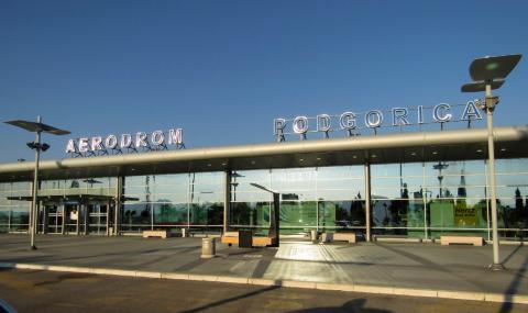 Балканска държава отваря летищата си
