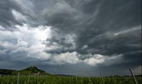 Облачна неделя, ще вали с гръмотевици