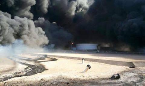 Ислямисти подпалиха главния нефтен терминал в Либия - 1