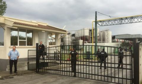 """Още няма повдигнати обвинения след акцията във """"Винпром Карнобат"""""""