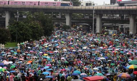 Протестите в Тайланд продължават