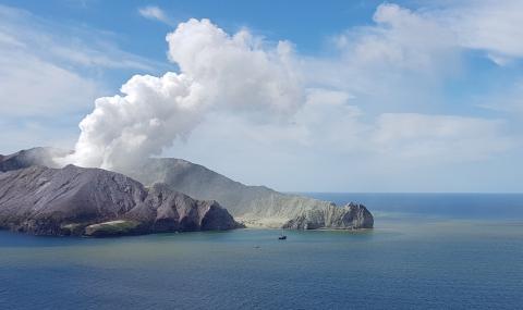 Жертвите на изригналия вулкан се увеличават