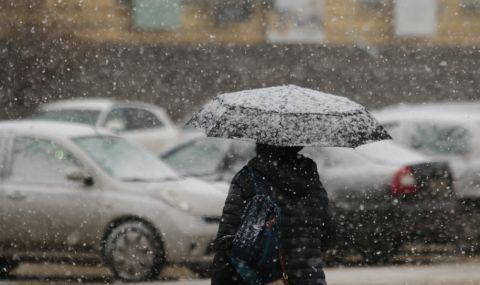 Главните улици в София са почистени от снега