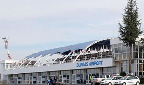 150 българи кацнаха в Бургас с полет от Лондон, 200 отлетяха
