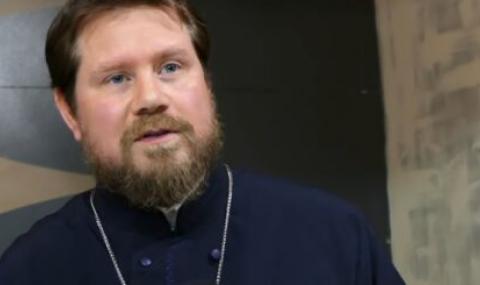 Отец Илиян Алексиев пред ФАКТИ: Понасяме тежестта на всички ония, които са целогодишно далеч от църквата