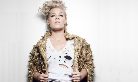 Новият албум на P!NK постави в краката ѝ световните музикални класации (ВИДЕО)