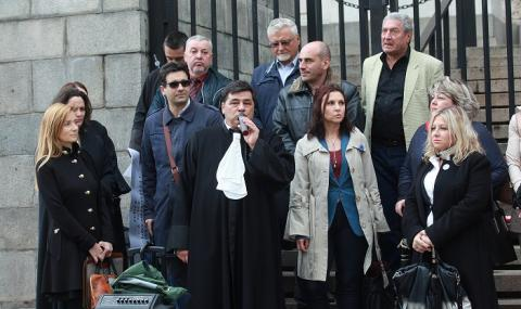 64 адвокати с отворено писмо до Мая Манолова