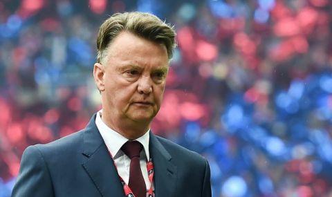 Ван Гаал се завърна начело на Нидерландия - 1