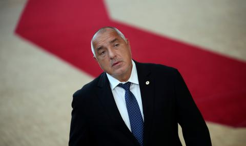 Борисов се е вкопчил във властта като удавник за сламка