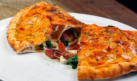 "Рецепта на деня: Домашна пица ""Калцоне"""