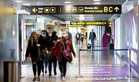 САЩ запазват изискването за носене на маски в самолетите