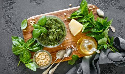Рецепта на деня: Домашно песто Дженовезе
