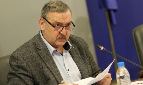 Проф. Кантарджиев: Не бива да допускаме влизането на новите варианти на британския щам на COVID-19, по-заразни са