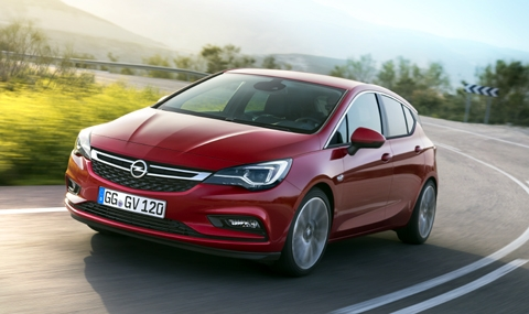 Opel продължава да мачка